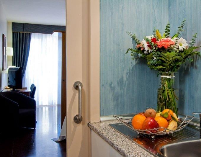 Alquileres directos aparthotel ref a5168 atenea for Oficina habitatge eixample